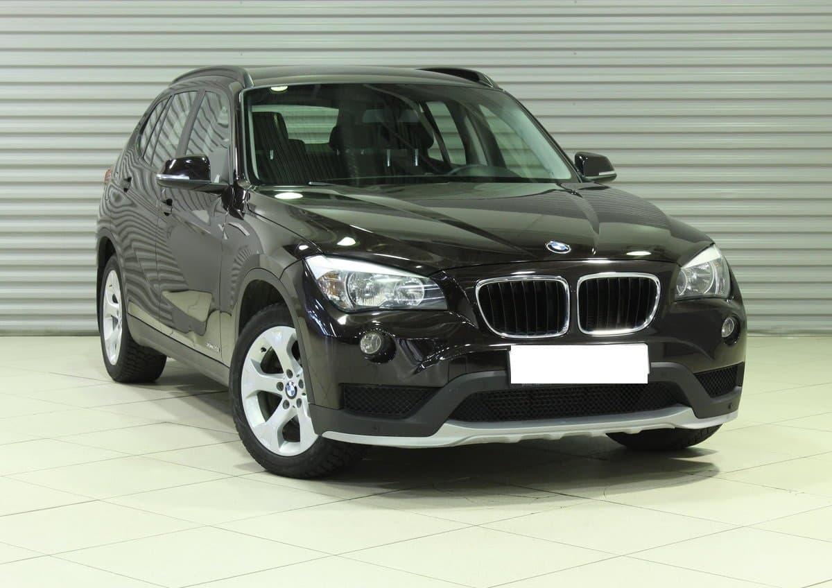 BMW X1 - фото