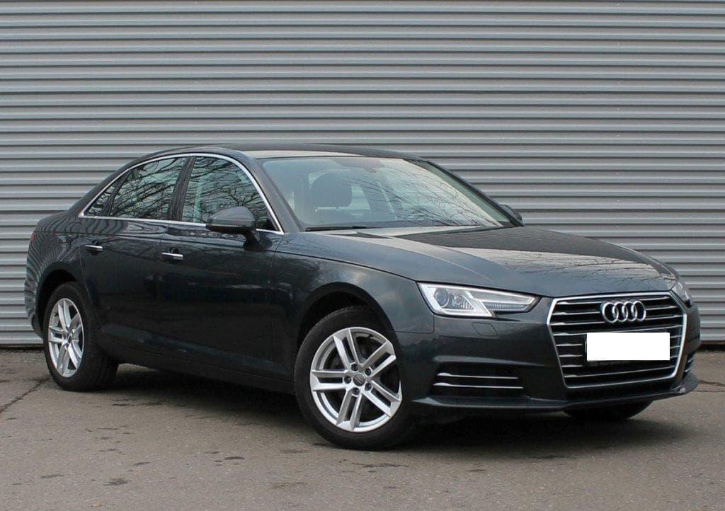 Audi A4 - фото
