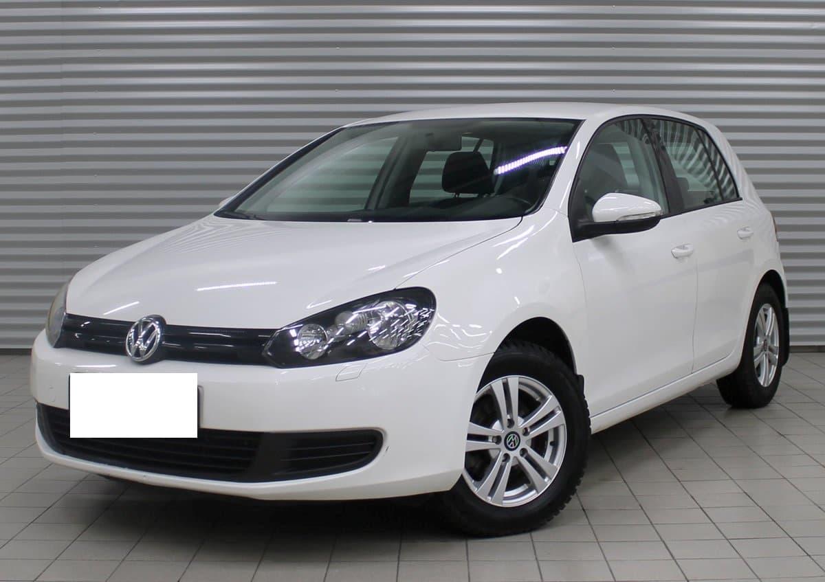 Volkswagen Golf - фото