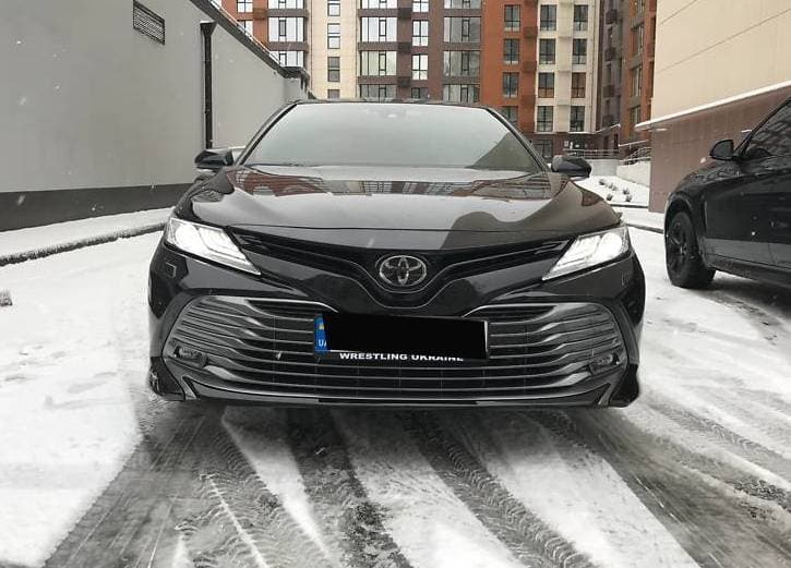 Toyota Camry 50 - фото 1