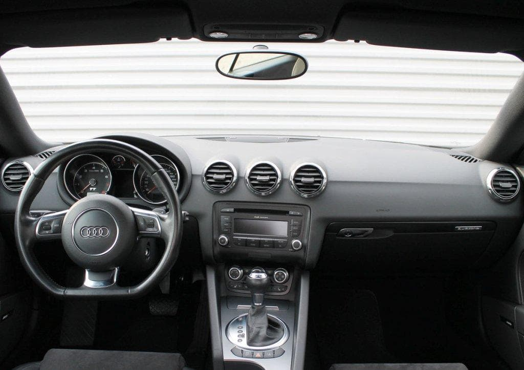 Audi TT - фото 8