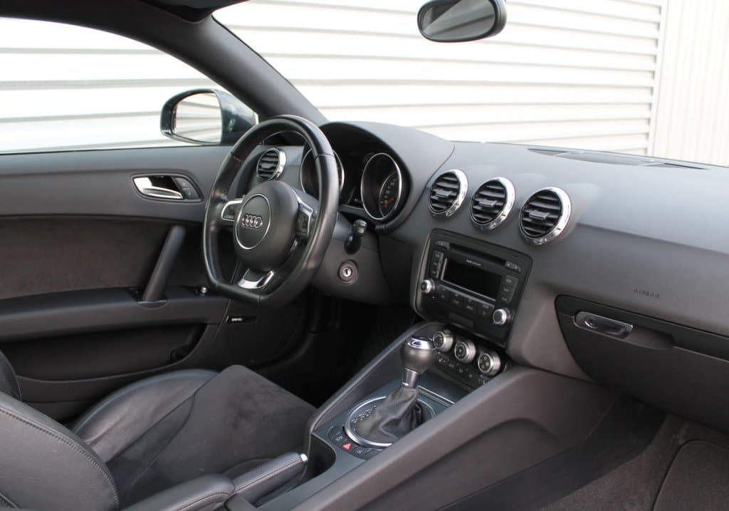 Audi TT - фото 9