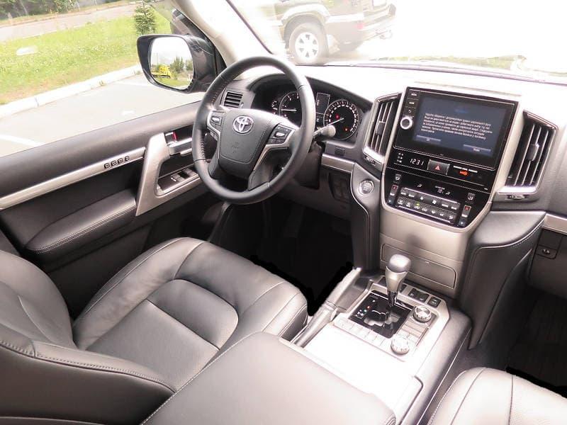 Toyota Land Cruiser 200 2018 - фото 10