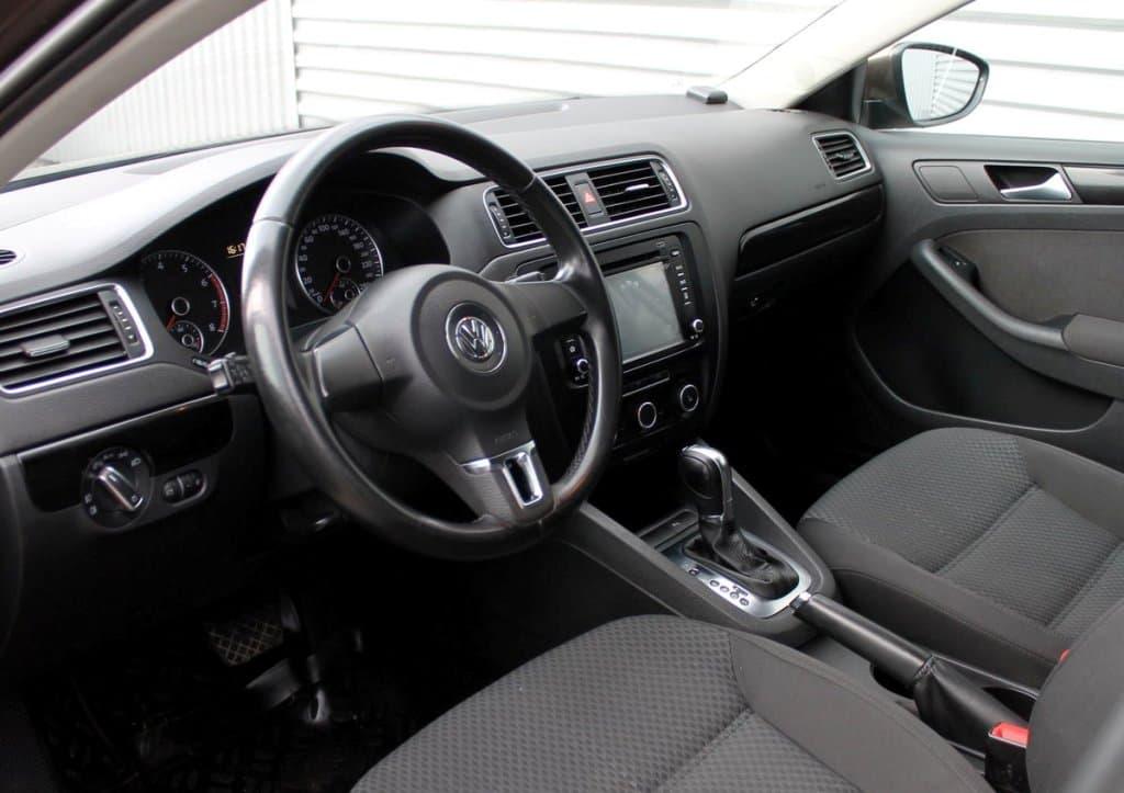 Volkswagen Jetta - фото 10