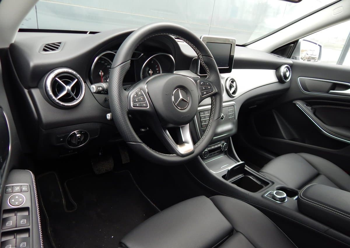 Mercedes-Benz CLA 200 - фото 6