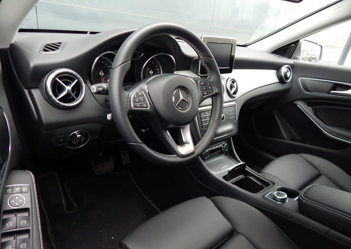Mercedes-Benz CLA 200 - фото 6