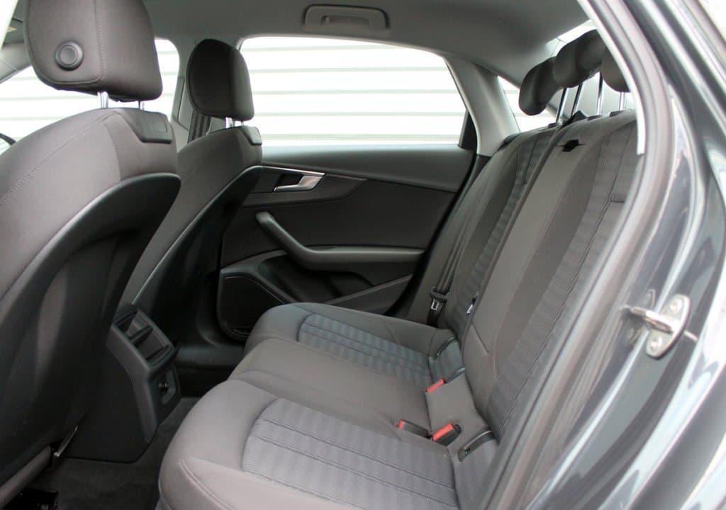 Audi A4 - фото 10