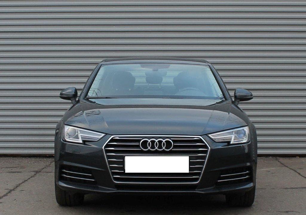 Audi A4 - фото 12
