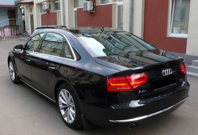 Audi A8 Quattro - фото 1