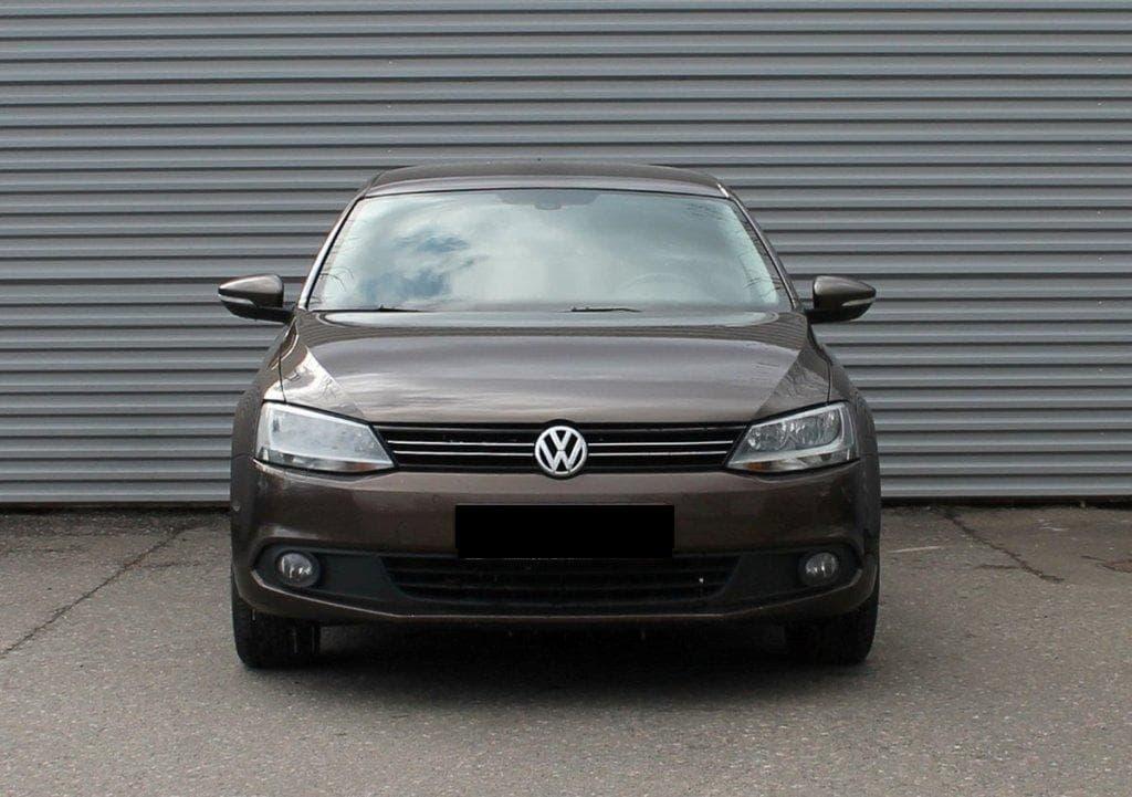 Volkswagen Jetta - фото 1