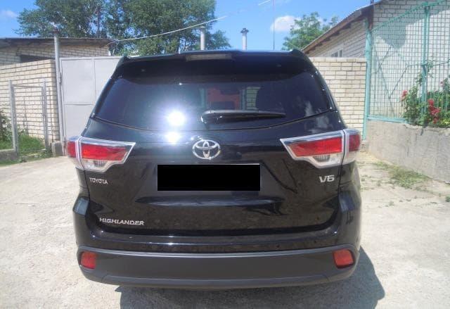 Toyota Highlander - фото 1
