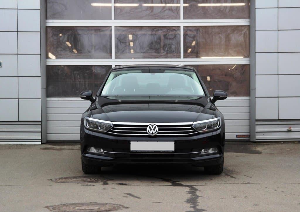 Volkswagen Passat B8 - фото 1