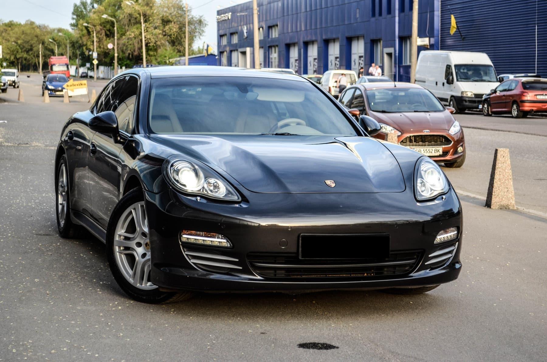 Porsche Panamera 4S - фото 2