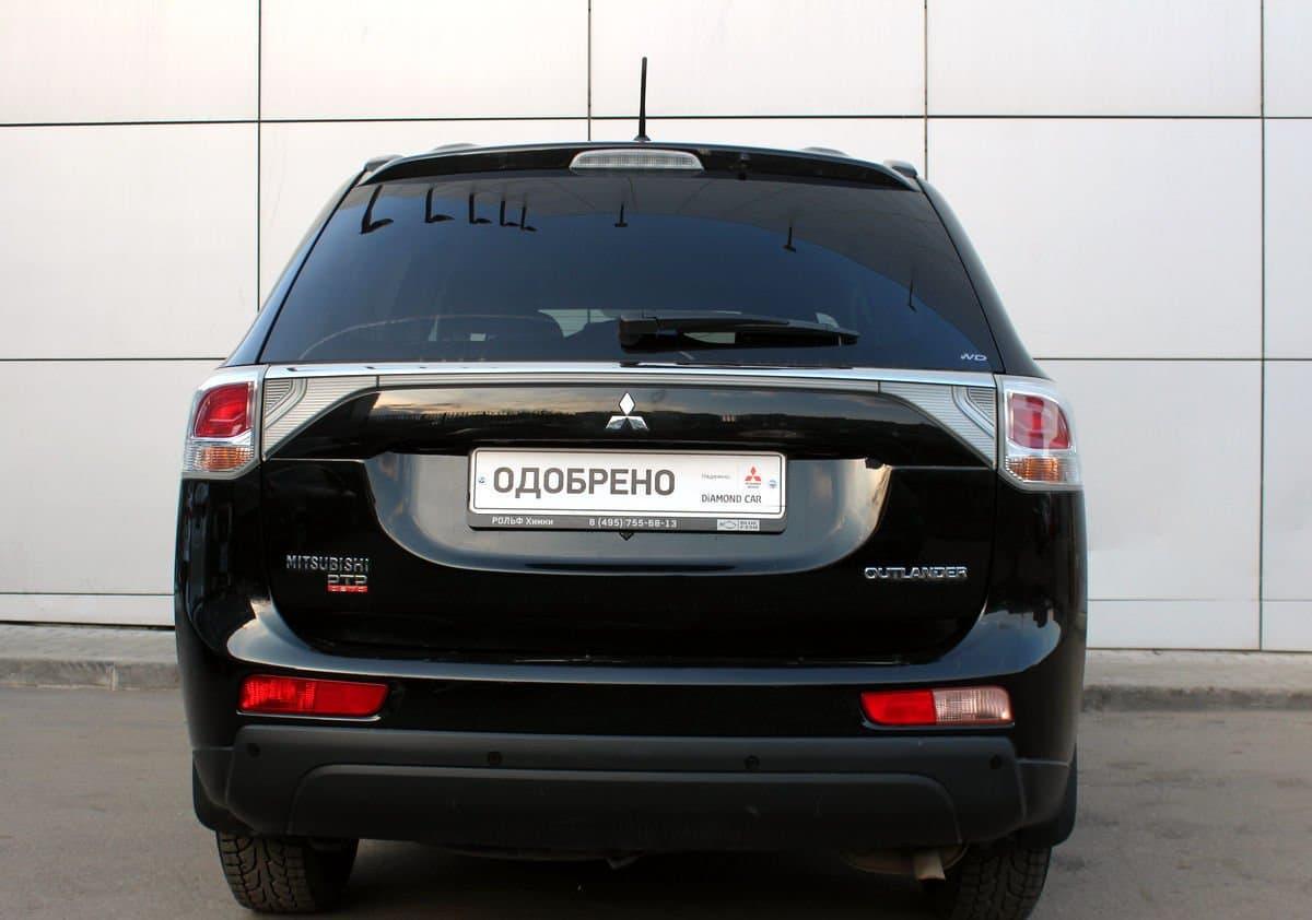 Mitsubishi Outlander - фото 1