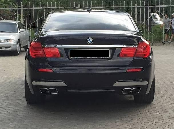 BMW 750 LixDrive - фото 2