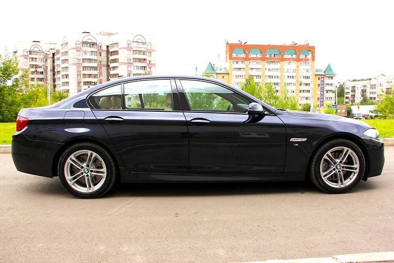BMW 525 xDrive - фото 2