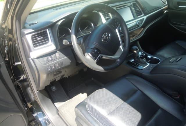 Toyota Highlander - фото 2