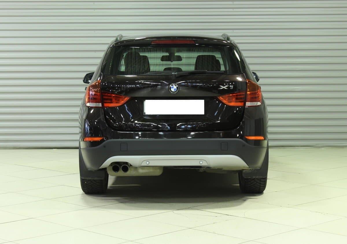 BMW X1 - фото 1