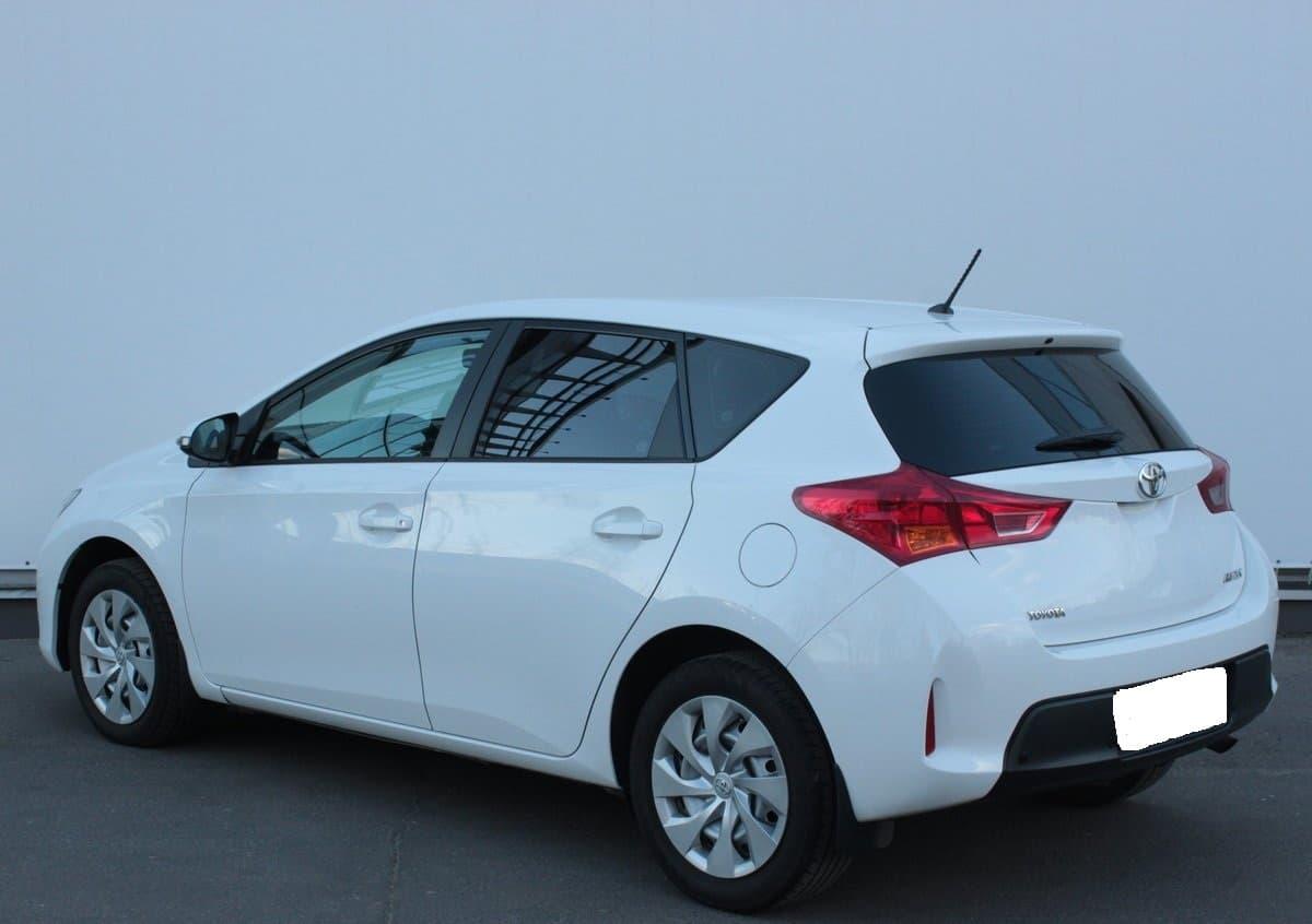 Toyota Auris - фото 3