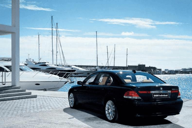 Плюсы аренды авто для деловых целей