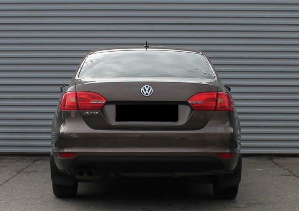 Volkswagen Jetta - фото 4