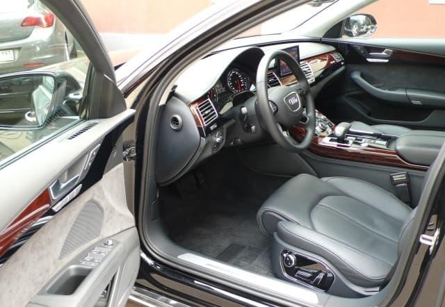 Audi A8 Quattro - фото 5