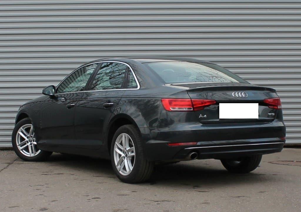 Audi A4 - фото 4