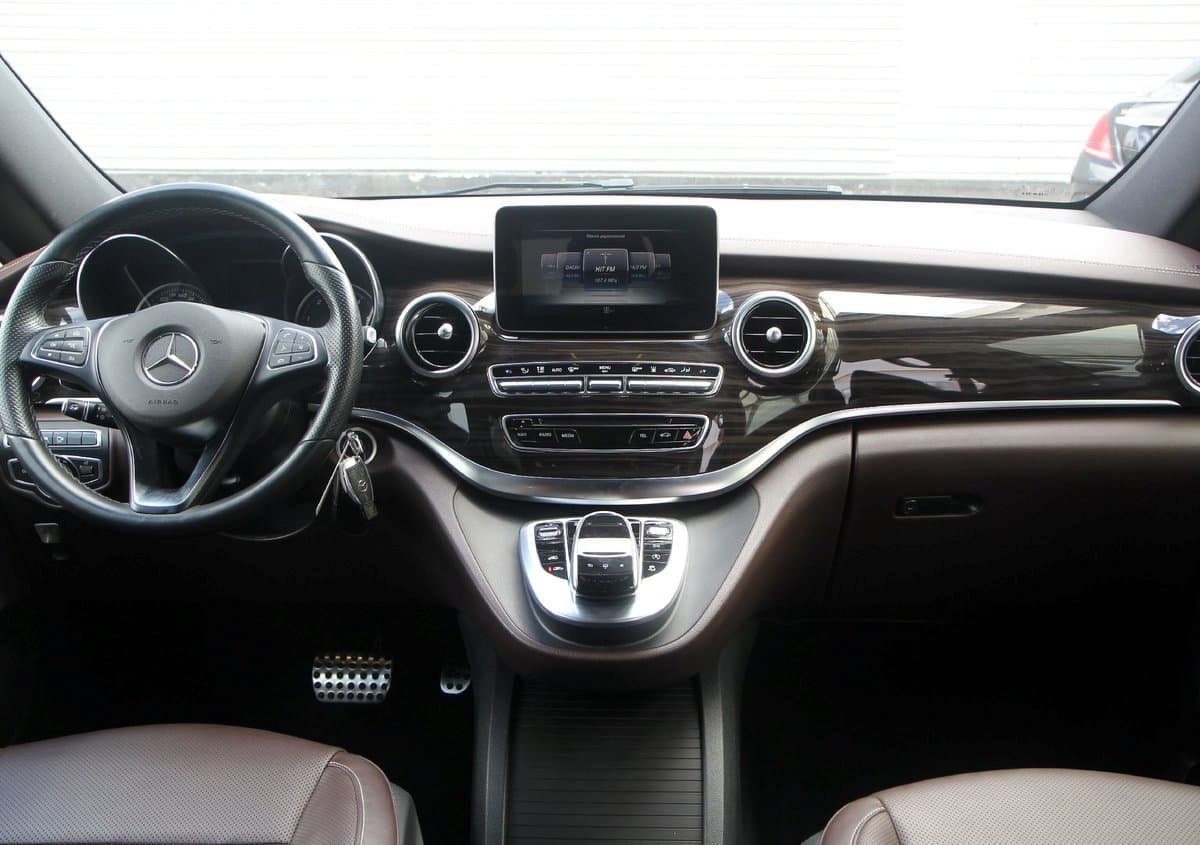 Mercedes-Benz V-klass AMG - фото 4