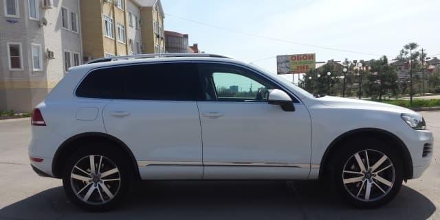 Volkswagen Touareg white - фото 5