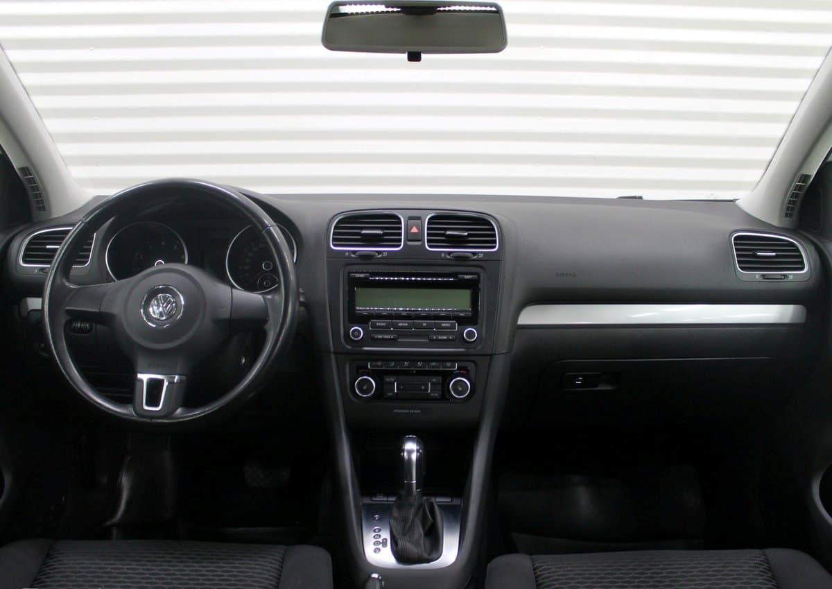 Volkswagen Golf - фото 7