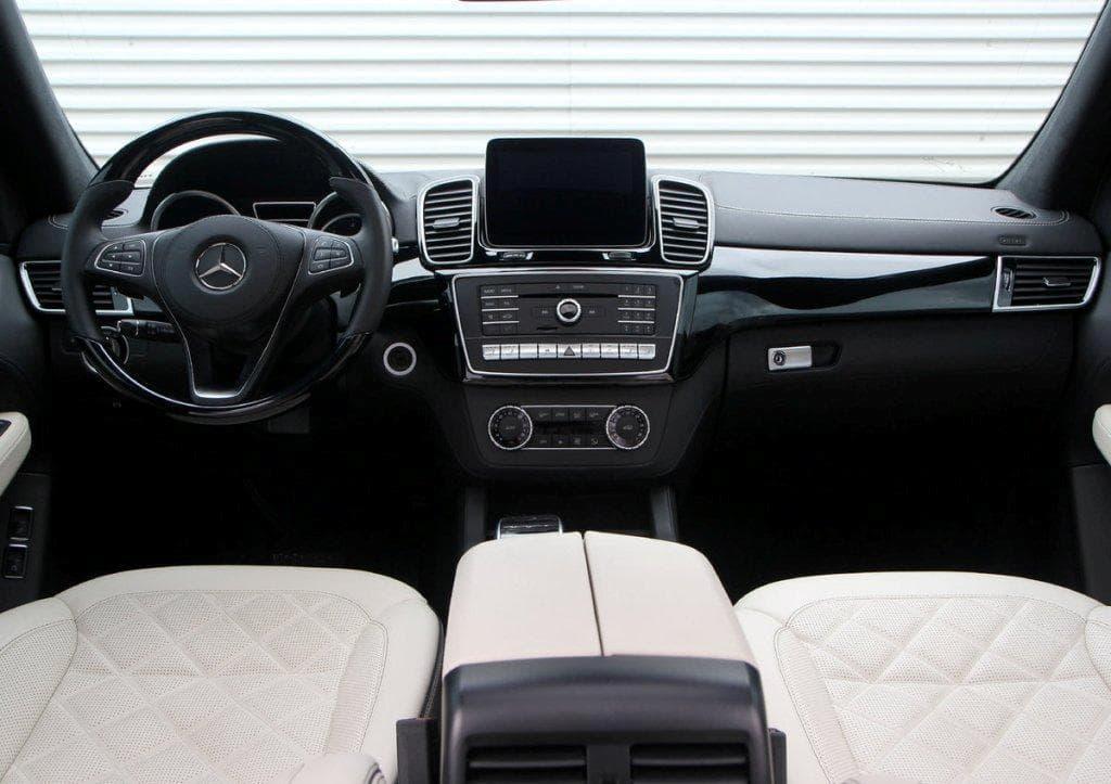 Mercedes-Benz GLS 400 AMG - фото 6