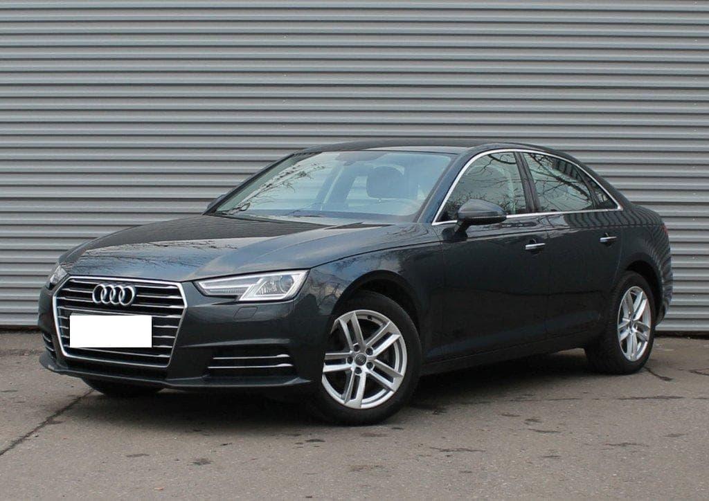 Audi A4 - фото 6