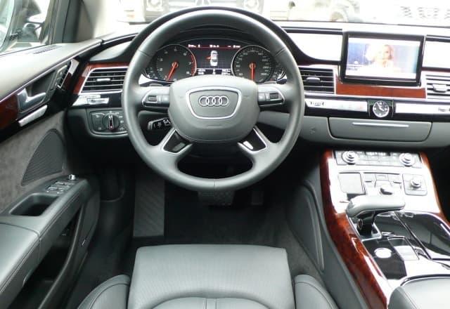Audi A8 Quattro - фото 8