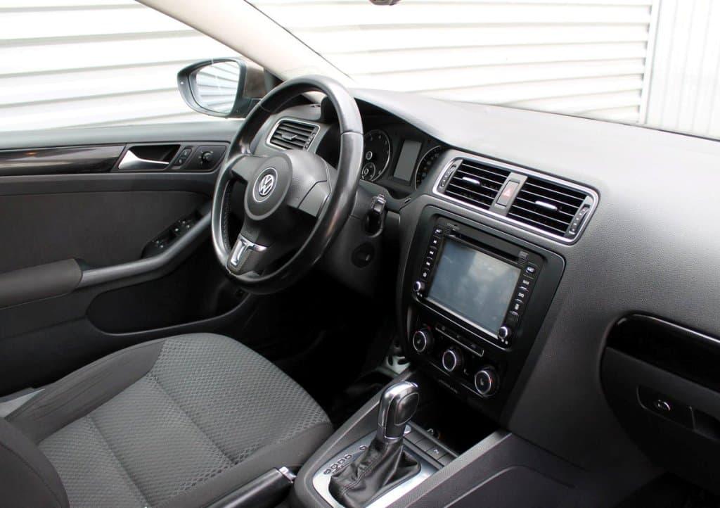 Volkswagen Jetta - фото 8