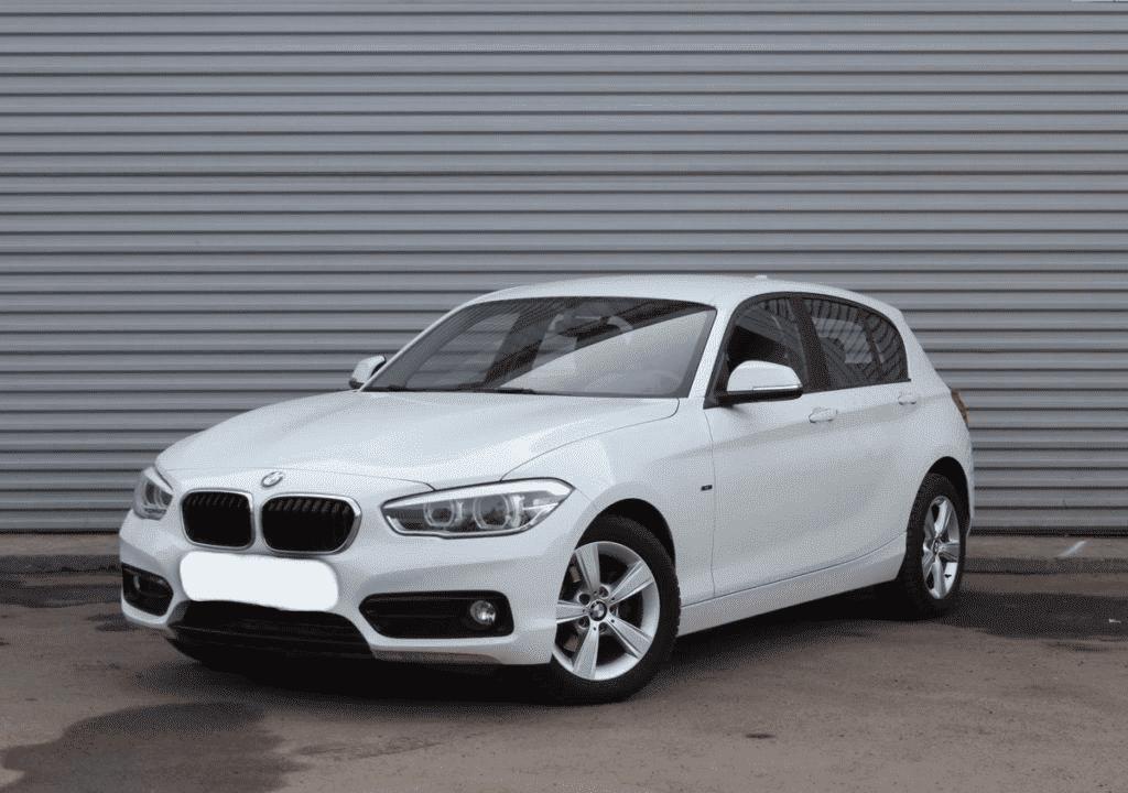BMW 120 - фото