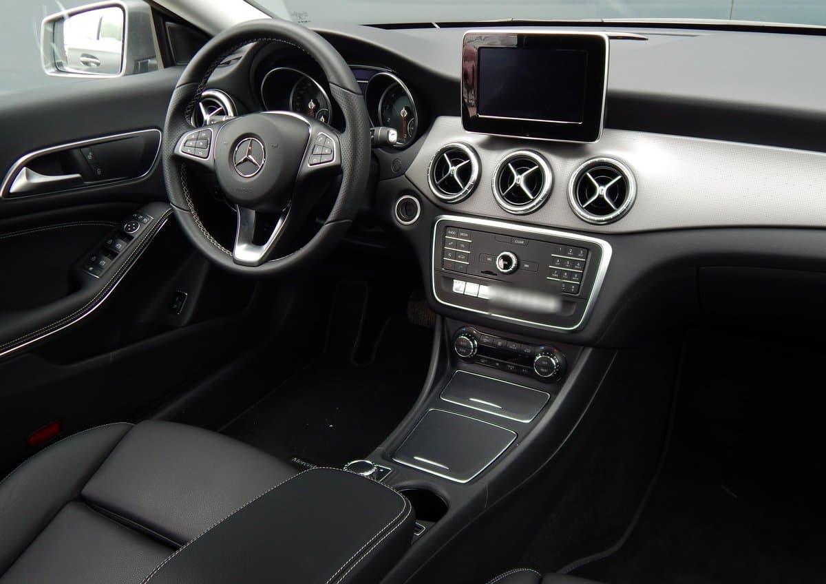 Mercedes-Benz CLA 200 - фото 9