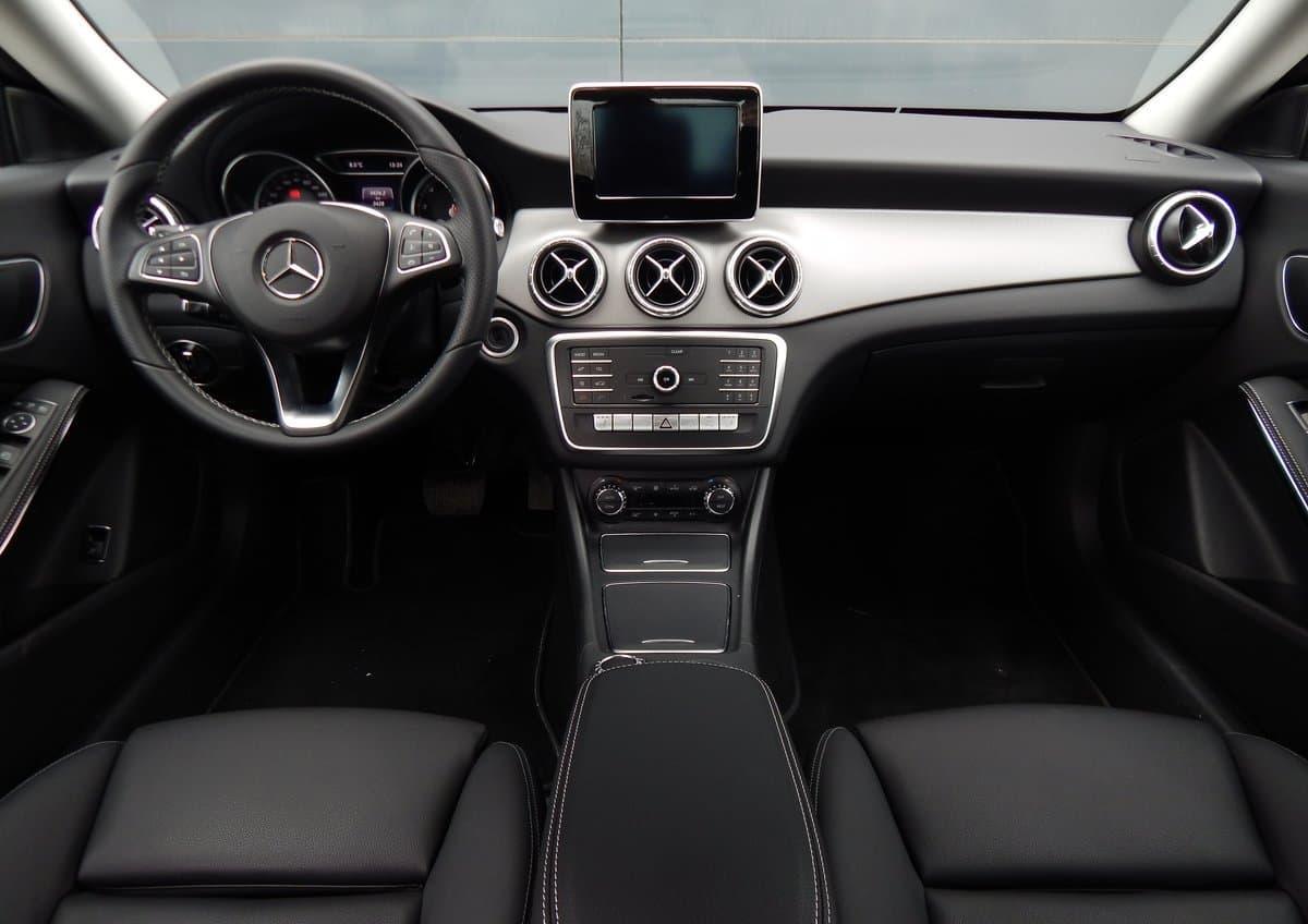 Mercedes-Benz CLA 200 - фото 7