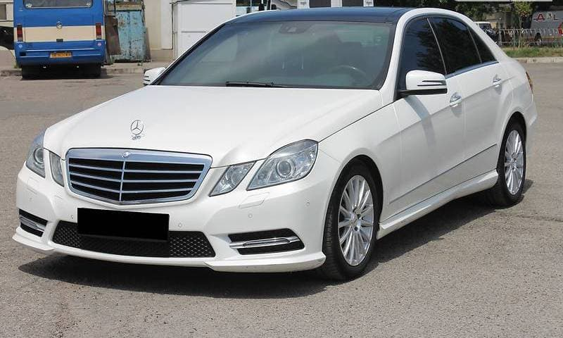MERCEDES-BENZ E350 4-MATIC W212 AMG-STILE - фото