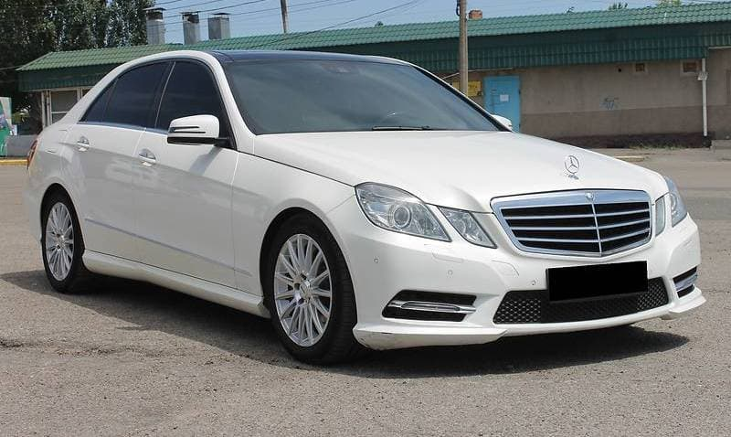 MERCEDES-BENZ E350 4-MATIC W212 AMG-STILE - фото 3