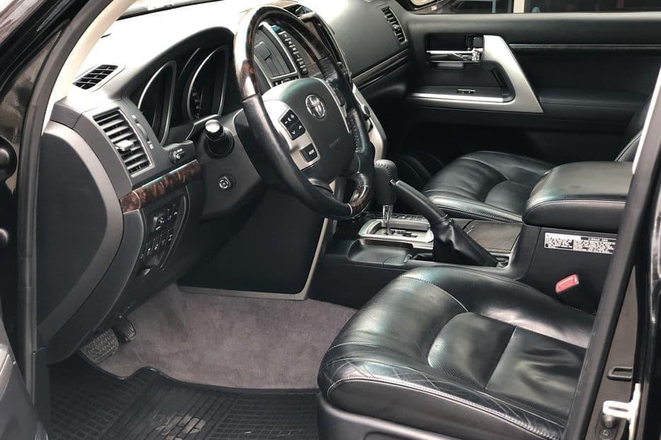 Toyota Land Cruiser 200 - фото 4