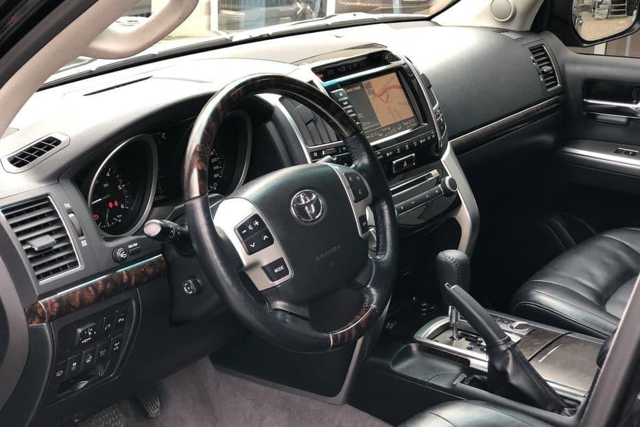 Toyota Land Cruiser 200 - фото 5