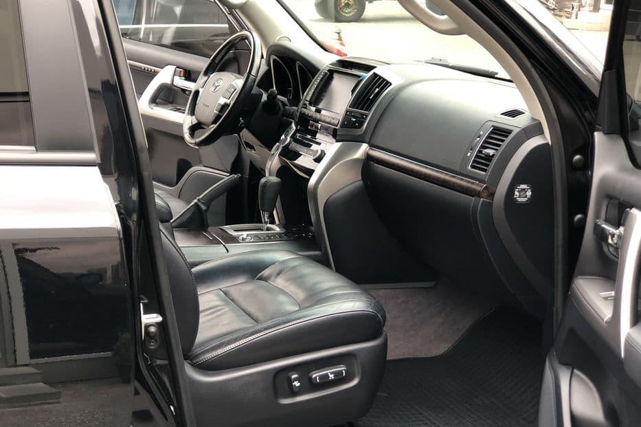 Toyota Land Cruiser 200 - фото 7