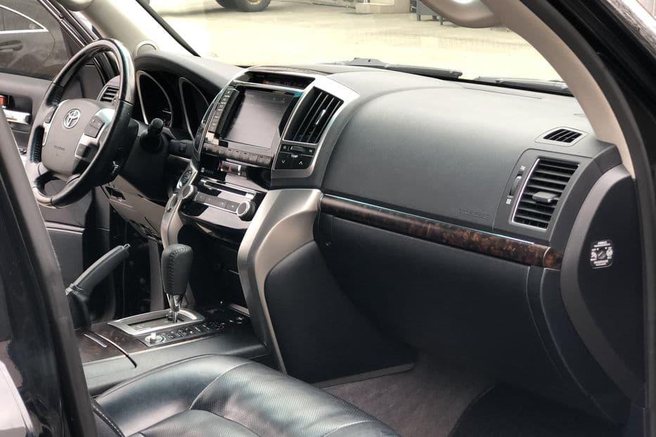 Toyota Land Cruiser 200 - фото 8