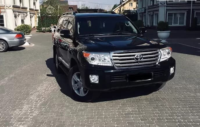 TOYOTA LAND CRUISER 200 - фото