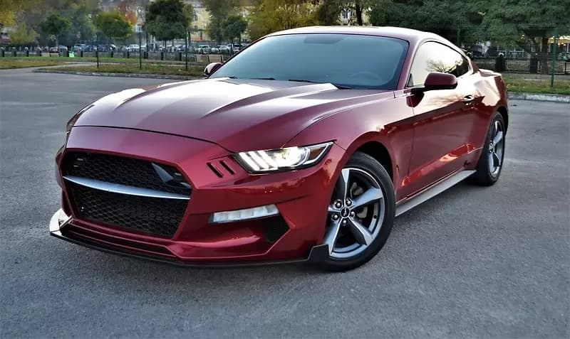 FORD MUSTANG - фото