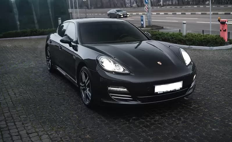 Аренда Porsche Panamera 4S