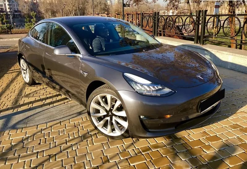 Аренда Tesla Model 3 Performance