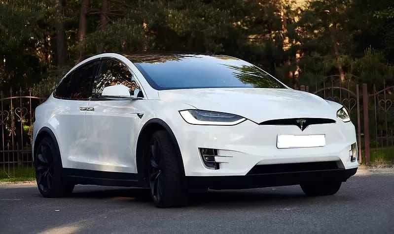 Tesla Model X 75D - фото