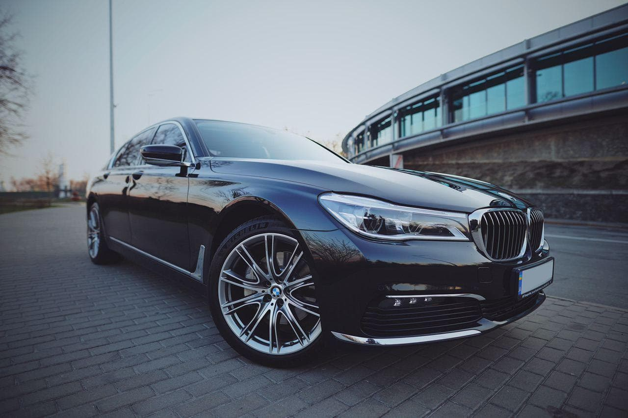 Прокат BMW 730I